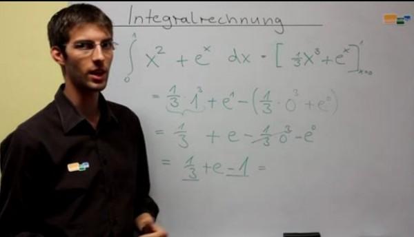 Die Aufgabe lautet ∫ x² + e^x dx